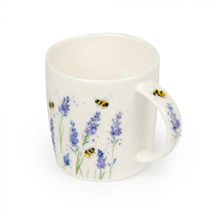 Tasse mit Hummeln und Lavendel (Roy Kirkham)